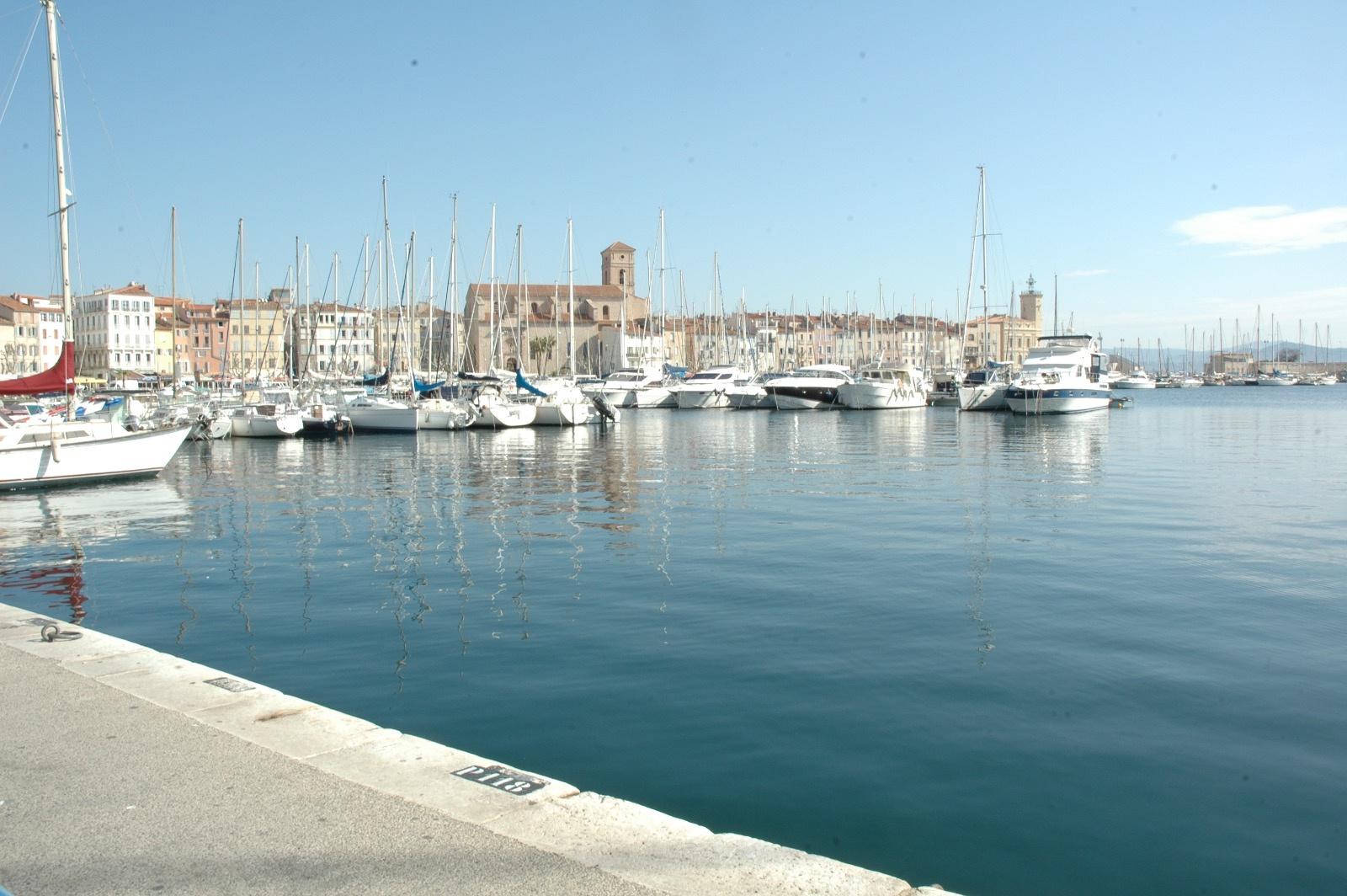 Vente immobilier professionnel fonds de commerce restaurant port de la ciotat - Restaurant port la ciotat ...